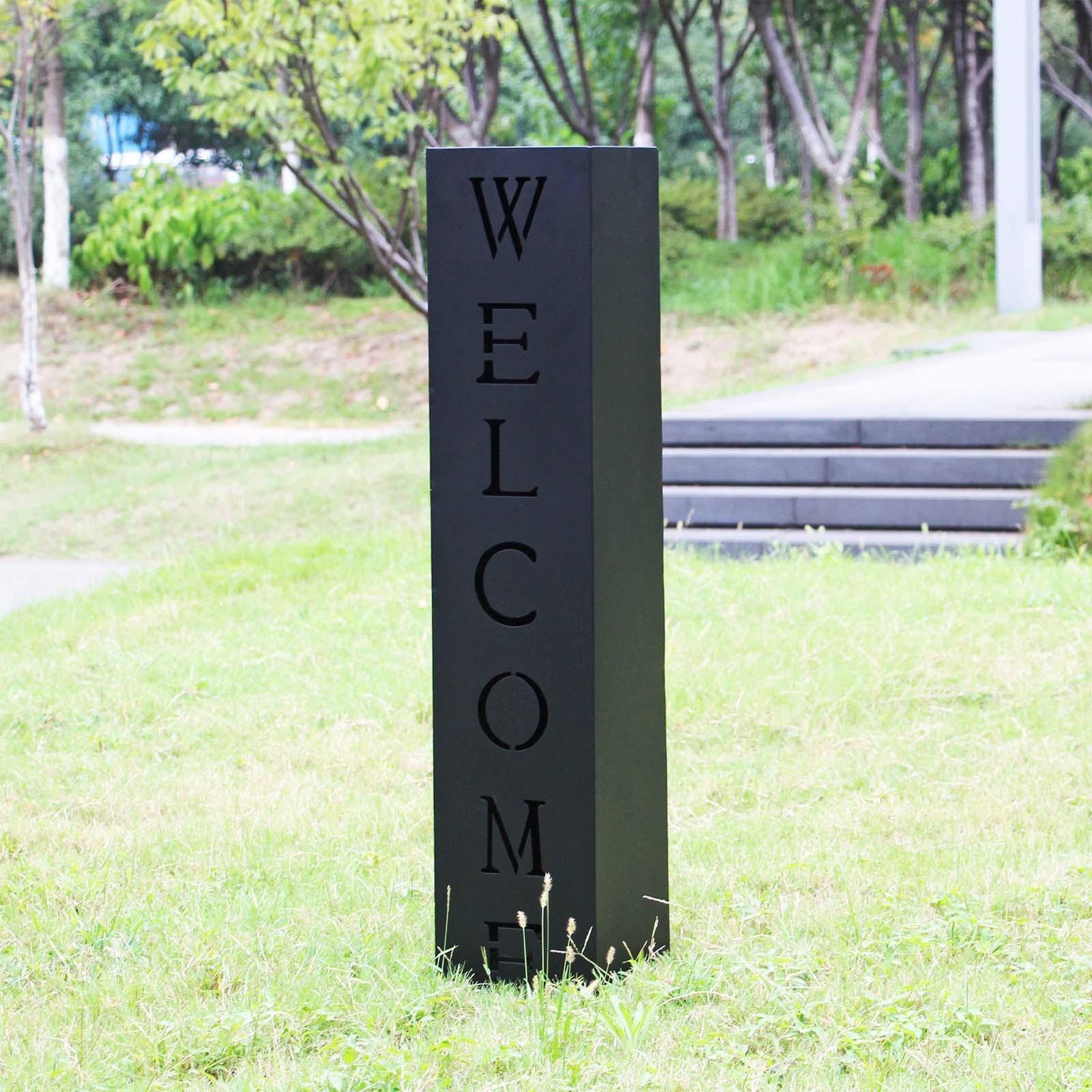 colonne d corative pour jardin en m tal rouill inscription welcome. Black Bedroom Furniture Sets. Home Design Ideas