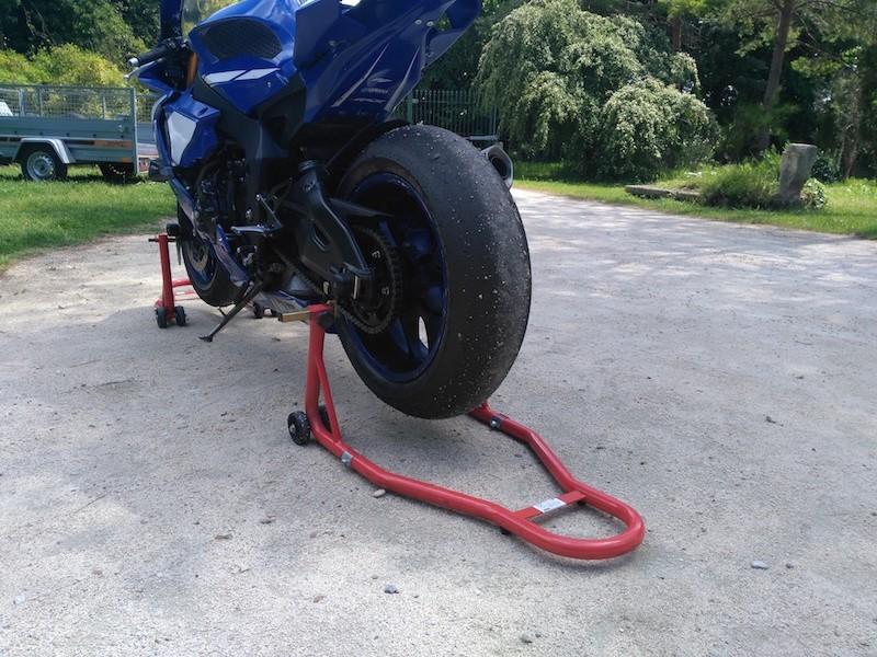 Béquille, lève moto arrière pour toutes motos. Paddock, circuit, garage