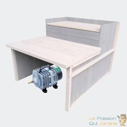 Cabane ou abri gris pour aérateur de bassin